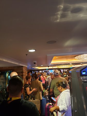 Norwegian Epic: The 3 hour plus line we waited in and no staff available