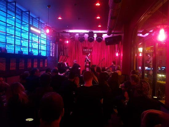 Social Jazz Bar