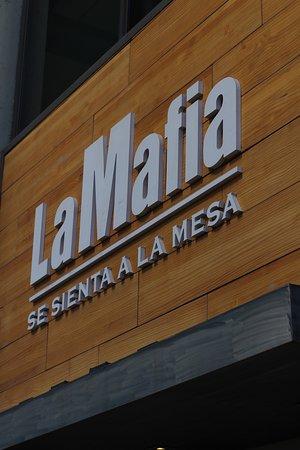 La mafia se sienta a la mesa 4 Torres