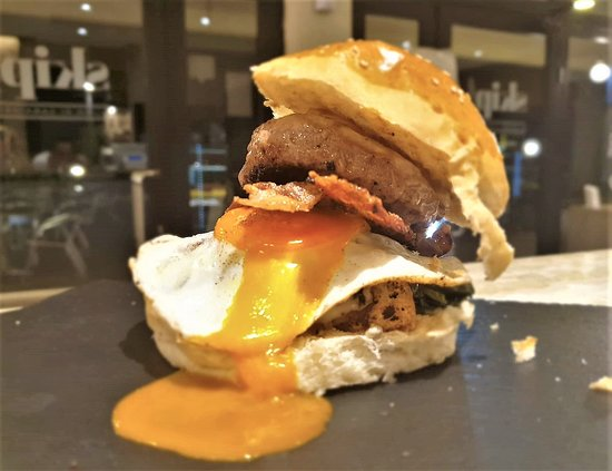 Paninoteca Skip Lido di Camaiore: Hamburger con Uovo