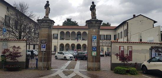 Villa Frisiani Olivares Ferrario