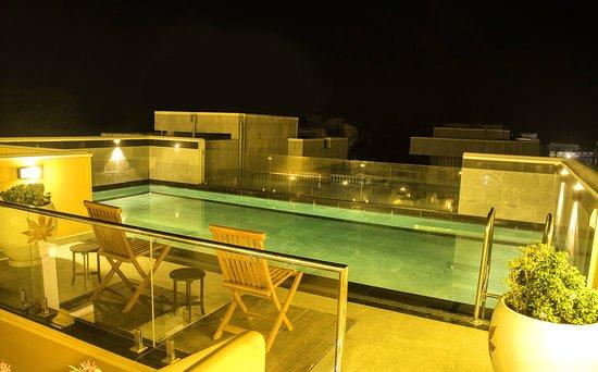 Swimming pool Nite Mode