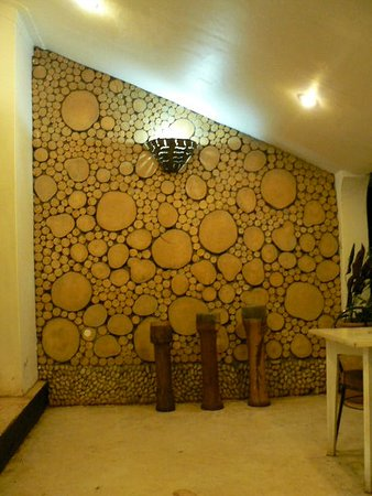 Gately Inn Entebbe: Gately's famous reception wall