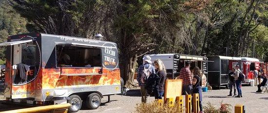 Food trucks by lake Lacar