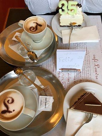 Cafe Louvre Photo