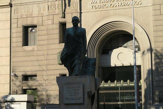 Monumento al Presidente Salvador Allende