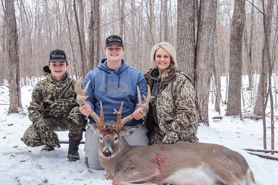 5 star all inclusive family hunting in northern Wisconsin.