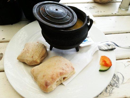 Pili Pili Beach Restaurant: Mussel Pot
