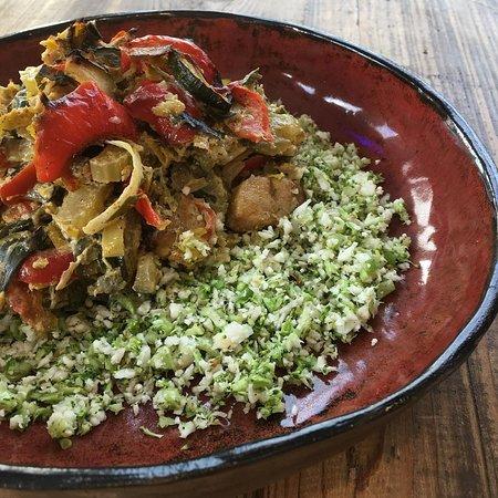 Christels keuken: bloemkoolrijst met groenteschotel en kipfilet