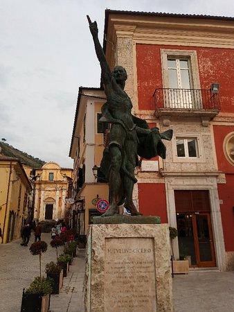 Monumento a Marco Tullio Cicerone