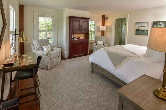 Pickering House Inn: Guest room in the 1813 homestead portion of the inn