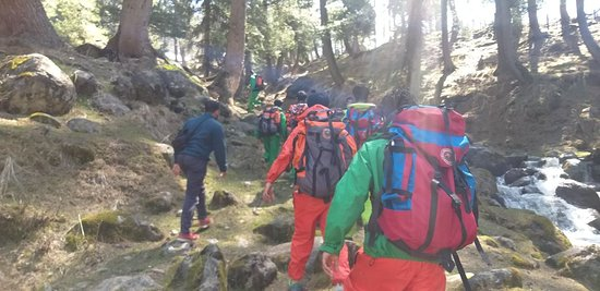 Paradise crew are qualified members of Adventure Travel Escort Training with Jawhar Institute of Mountaineering and winter sports under IMF
