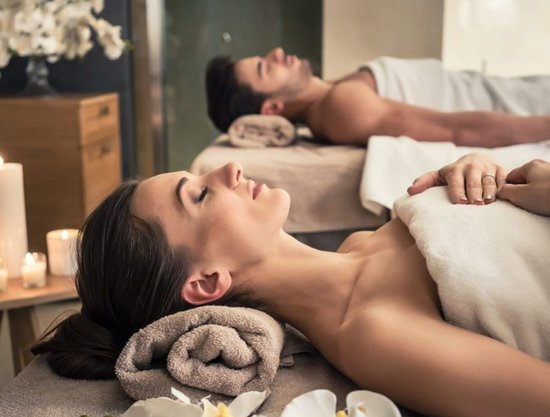 1906 Lodge: Relax and unwind with our special Couples Relaxation Massage treatment in our Spa Sanctuary, located on-site. Rates may apply*