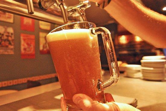 Cerveza artesanal tirada de Heller.