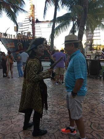 Jolly Roger Pirate Night Show and Dinner in Cancun: She was funny, threatening my husband lol