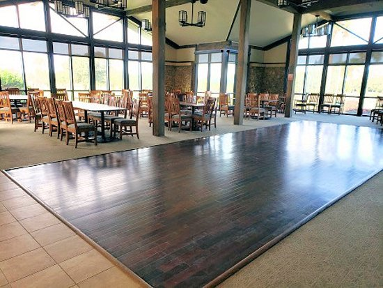 Osceola Municipal Golf Course: restaurant