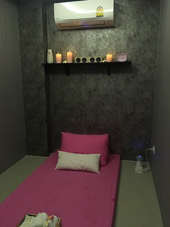 Privacy and cosy massage shop at good rates and promotions