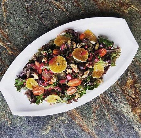 Kamoosh Bistro: Feature Salad