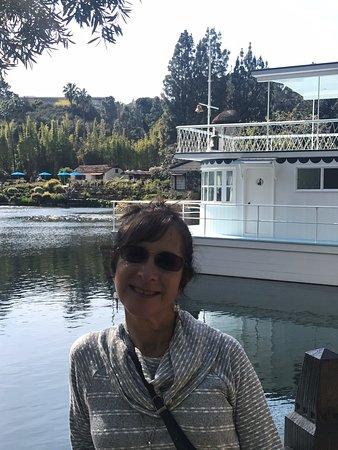 Lake Shrine Temple and Retreat照片