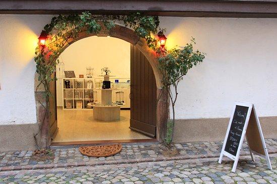Turckheim, Francia: Une entrée chaleureuse