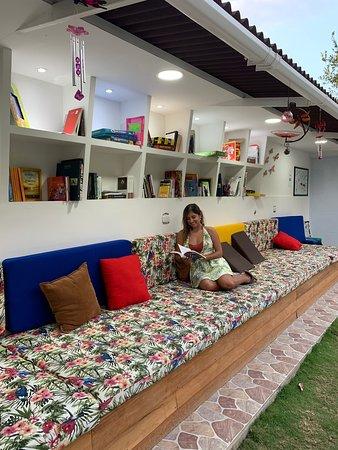 Minca, Colombia: Zona de lectura del hostal Chünü'ü