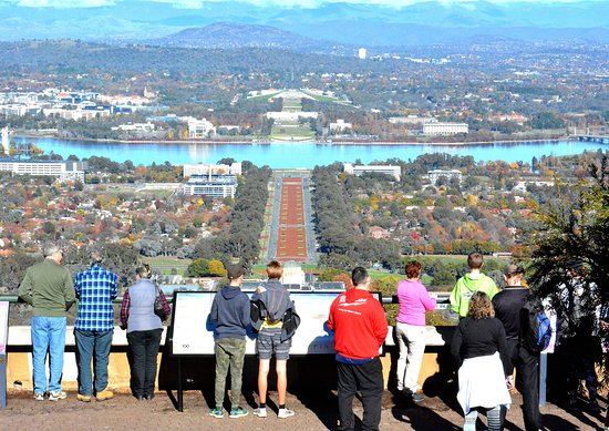 Canberra Guided Tours