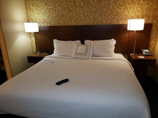 Fairfield Inn Amp Suites Detroit Canton Prices Amp Hotel