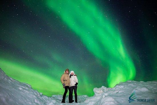 Excursão para grupos pequenos pelas luzes do norte, saindo de Tromso, com dicas de fotografia inclusas: Northern Lights Small-Group Tour from Tromso, Including Photography Tips