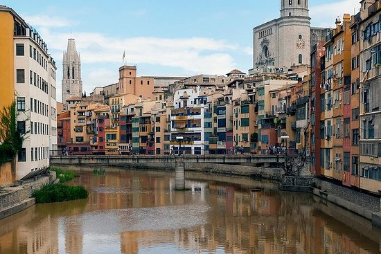 Day trip to Girona and Figueres by...