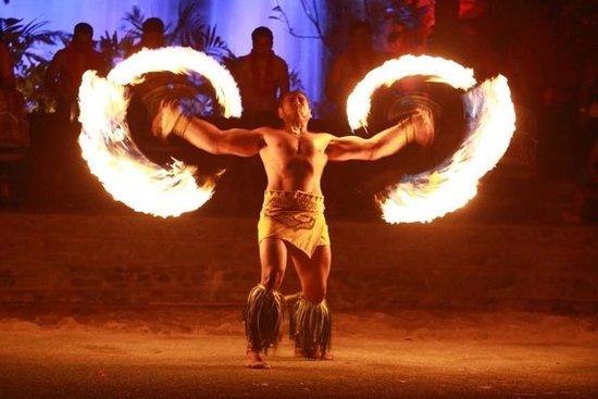 Sharkey's Fire Luau Show et Hawaiian...