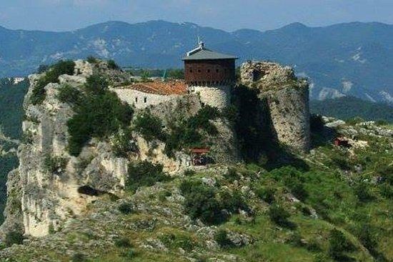 Castillos y excursiones en Tirana