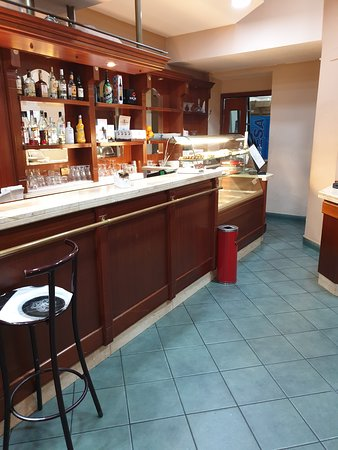 Bar Supreme: Bancone