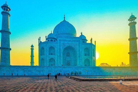 Taj Mahal Wonder Day Tour en coche