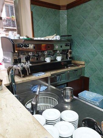 Bar Supreme: Macchina del caffè
