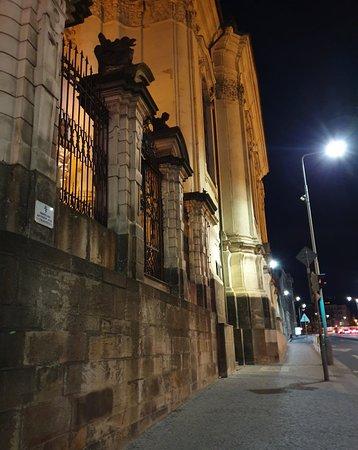 St. Cyril dan Katedral St. Methodius: Beautiful church