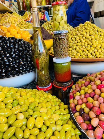 A little flavor of my beautiful country. Come to enjoy the mixture of the Mediterranean,African,Berber,Arab,Jewish cultures all together in one place.