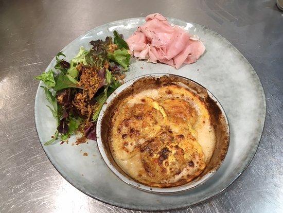 Ravioles aux cèpes et gorgonzola et son jambon blanc truffé italien