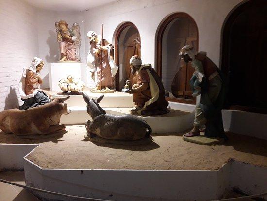 San Bernardo del Tuyu, Argentina: Réplica de un pesebre que tiene el Papa en el Vaticano