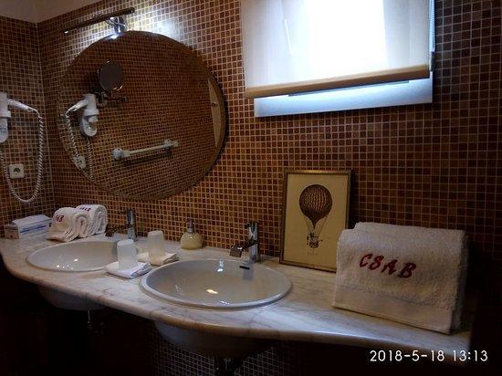 Casa de Santo Antonio de Britiande: Studio Artichoke bathroom