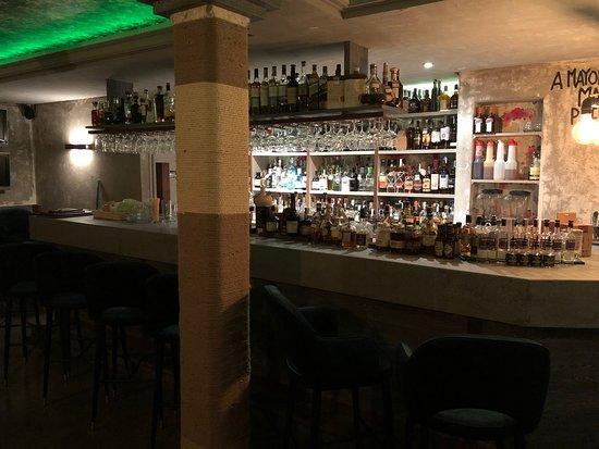 Coctelería HAMA: Nueva decoración Nueva ubicación HAMA BAR ,la palma 3