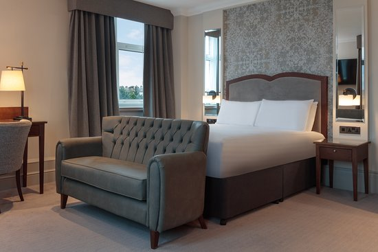 Doubletree by Hilton Harrogate Majestic Hotel and Spa: Deluxe Queen bedroom