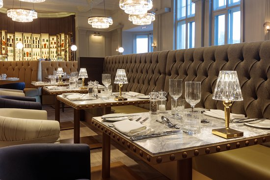 Doubletree by Hilton Harrogate Majestic Hotel and Spa: Carters Champagne Bar & Grill