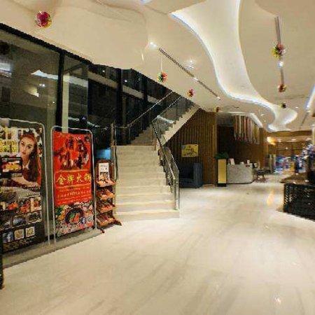 泰国排名第一的川味火锅!清迈川味金牌火锅。地址:清迈市中心长康路The Astra condo 2楼。