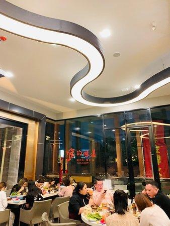 清迈川味金牌火锅。在泰国排名第一名的川味火锅。地址:香格里拉酒店隔壁The Astra codon 2楼。