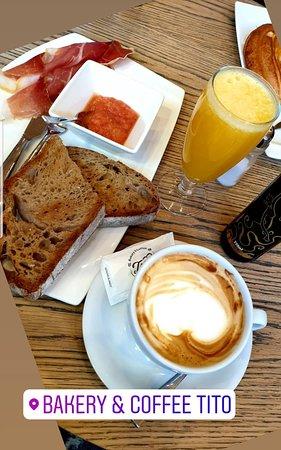 Bakery & Coffee Tito: DESAYUNOS ESPECIALES