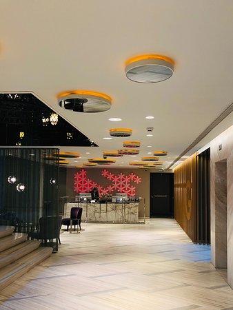 FER Hotel: Lobby