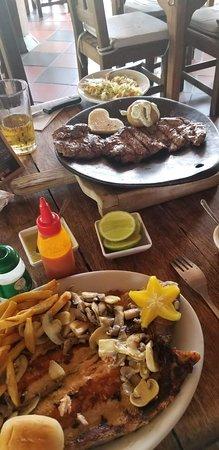 deliciosa la comida,el servicio excelente,gran ubicacion los postres son deliciosos