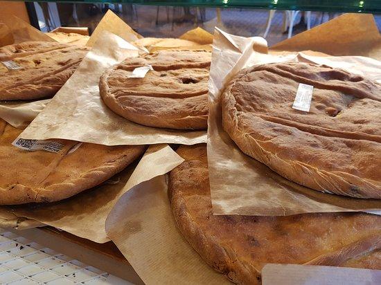 Bakery & Coffee Tito: EMPANADERÍA