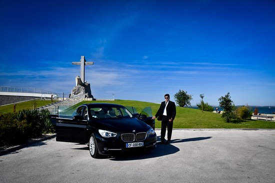 Luxury Limousines Services: La Teste
