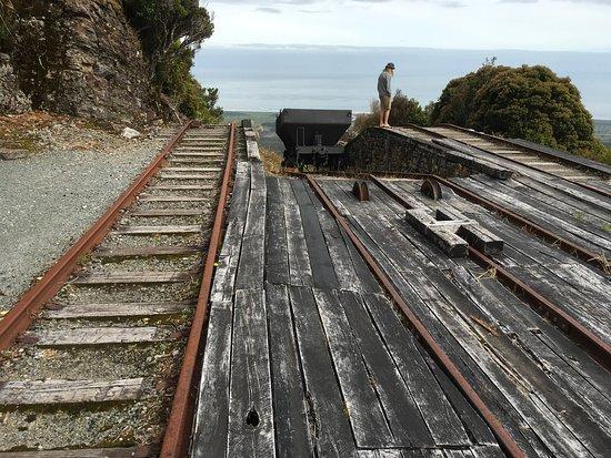 Denniston, نيوزيلندا: Rails for coal trollies.